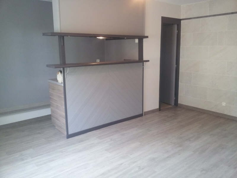 Rental apartment Maurecourt 495€ CC - Picture 2