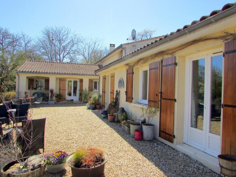 Sale house / villa Tusson 356000€ - Picture 1