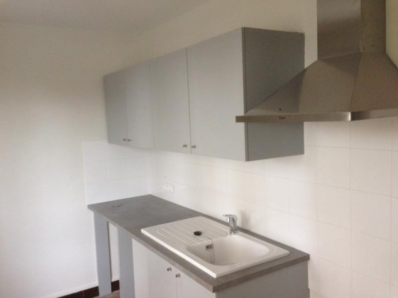 Rental apartment Roanne 425€ CC - Picture 1