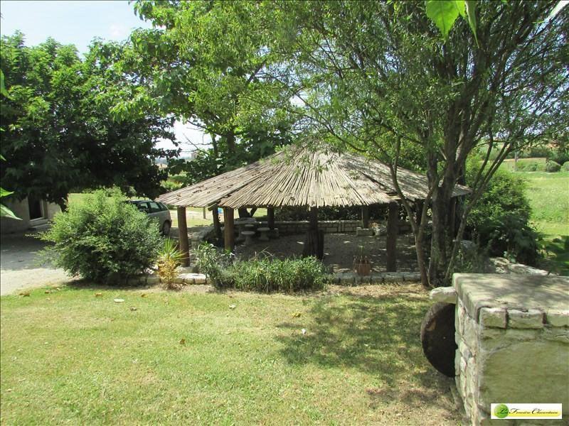 Sale house / villa Aigre 133000€ - Picture 2