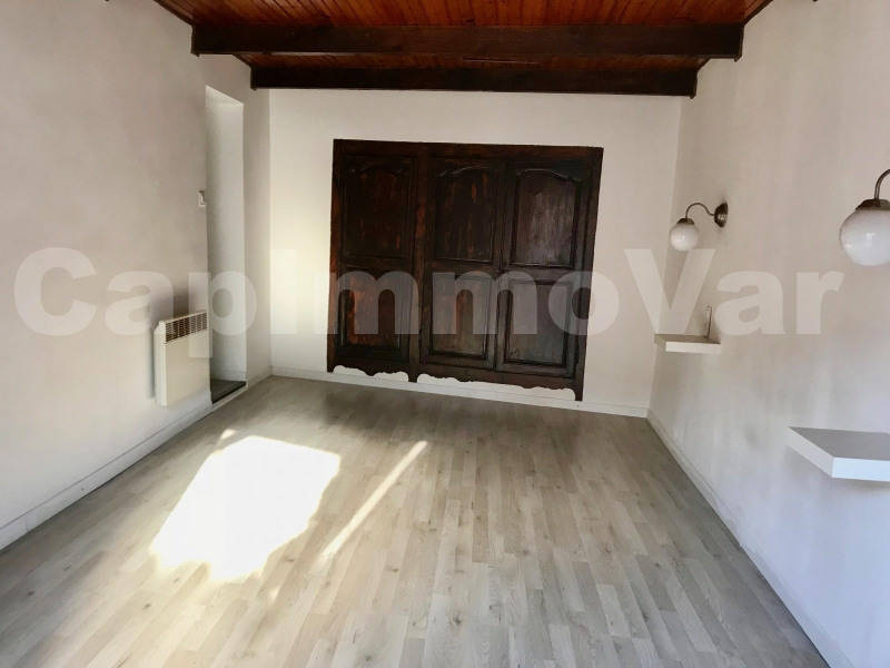 Location appartement Le beausset 635€ CC - Photo 5