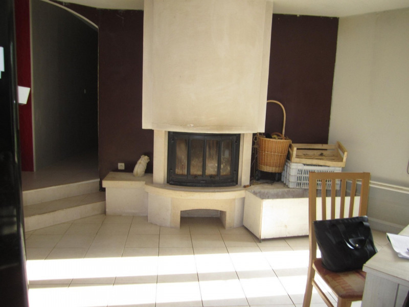Sale house / villa Condéon 136 500€ - Picture 4