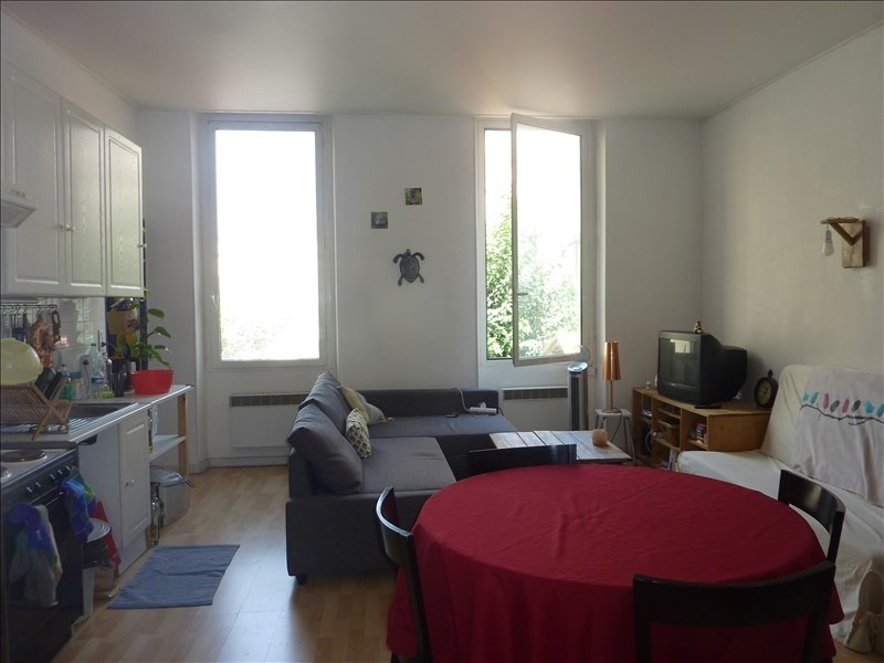 Rental apartment Marseille 6ème 495€ CC - Picture 2