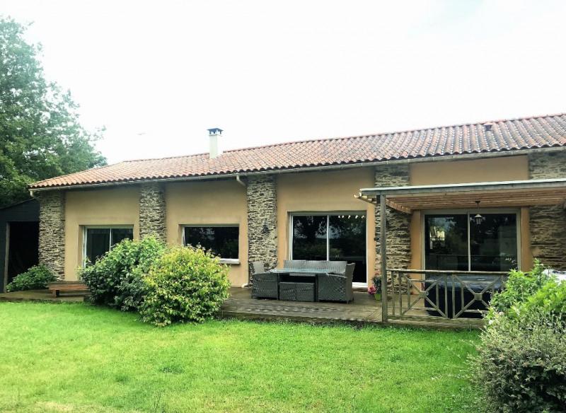 Maison Le Fief Sauvin 6 pièce (s) 154 m²