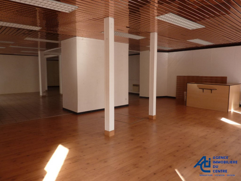 Sale empty room/storage Pontivy 156 000€ - Picture 1