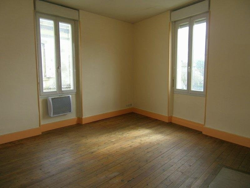 Location appartement Agen 318€ CC - Photo 1