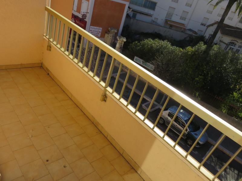 Rental apartment Bandol 760€ CC - Picture 3