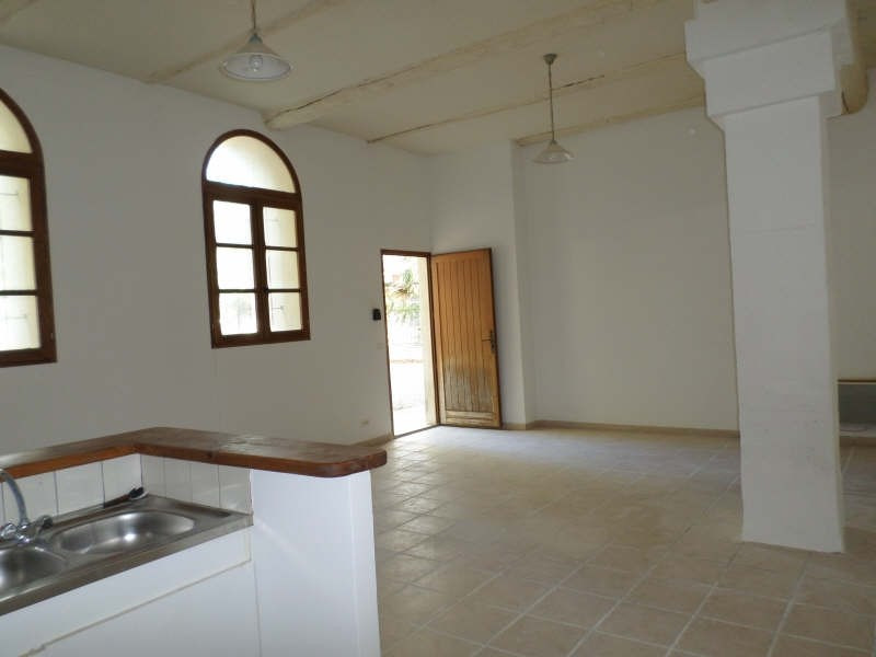 Rental apartment Eyguieres 635€ CC - Picture 3