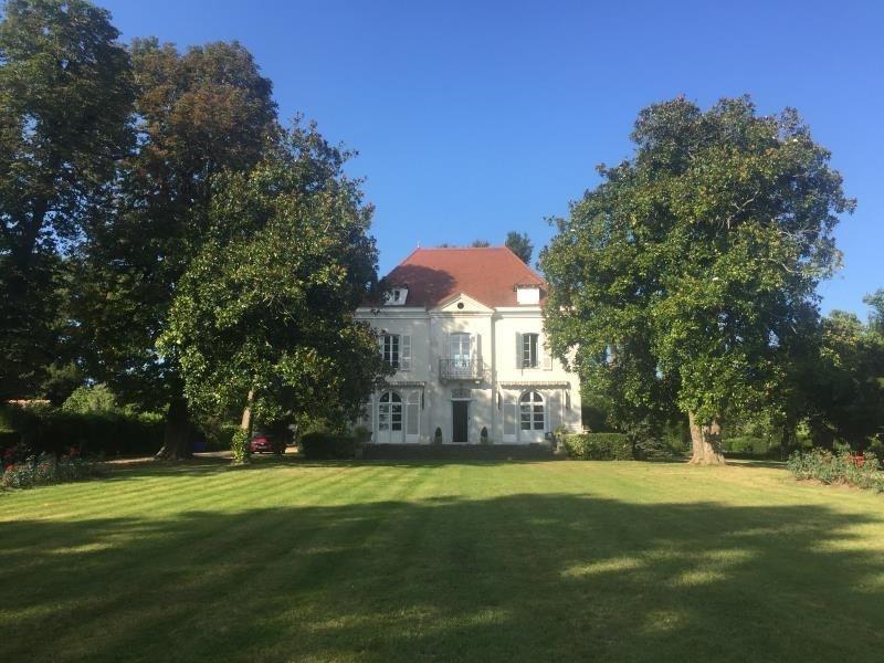 Deluxe sale house / villa Sauveterre de bearn 794000€ - Picture 1