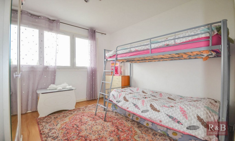 Sale apartment Plaisir 199 000€ - Picture 4