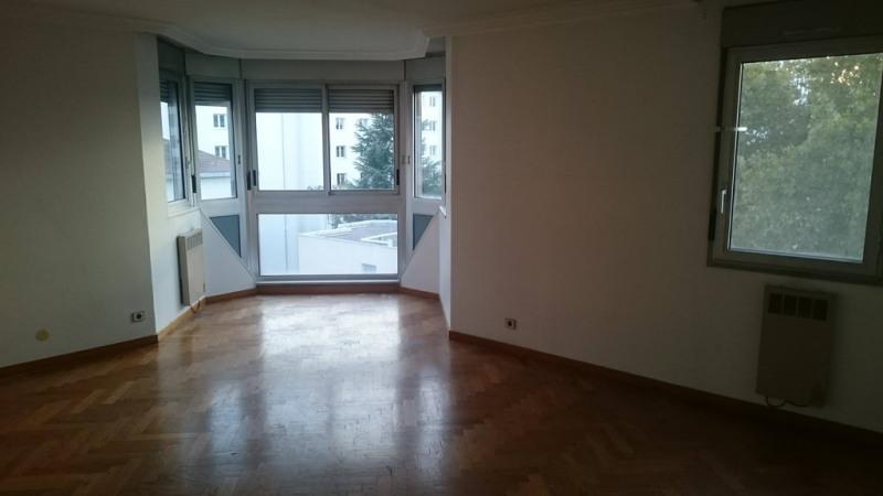 Alquiler  apartamento Lyon 6ème 992€ CC - Fotografía 3