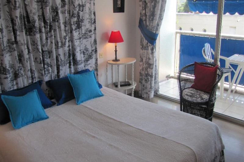 Vacation rental apartment Cap d'antibes  - Picture 5