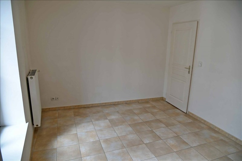 Rental apartment Nantua 328€ CC - Picture 4