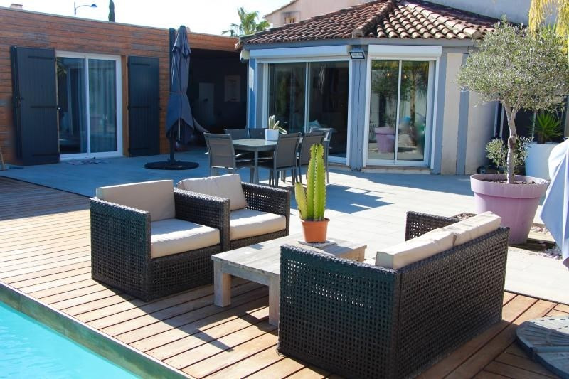 Deluxe sale house / villa La londe les maures 655000€ - Picture 1