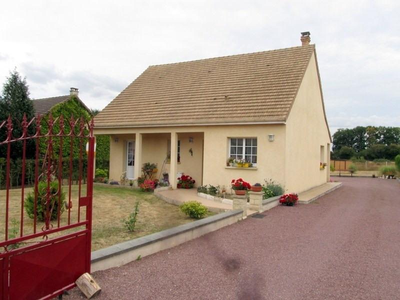 Sale house / villa Rugles 183000€ - Picture 1