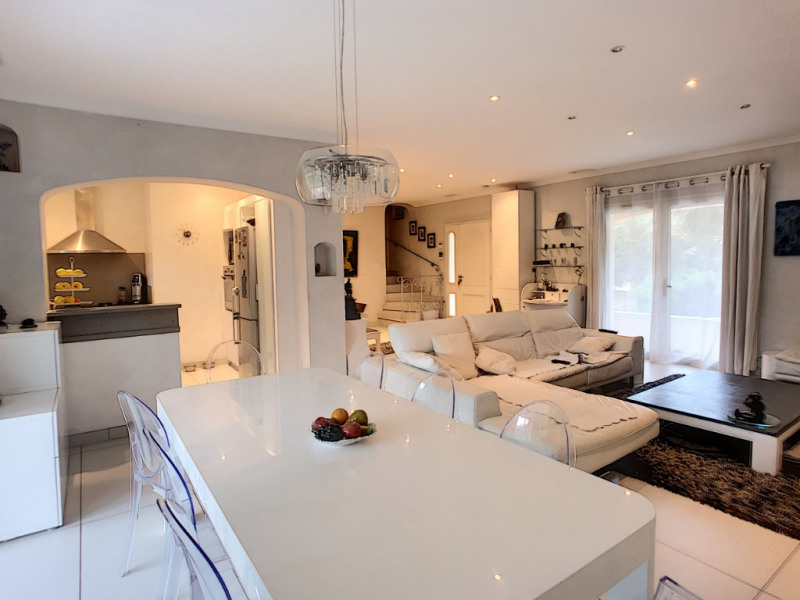Revenda residencial de prestígio casa Vers pont du gard 895000€ - Fotografia 2