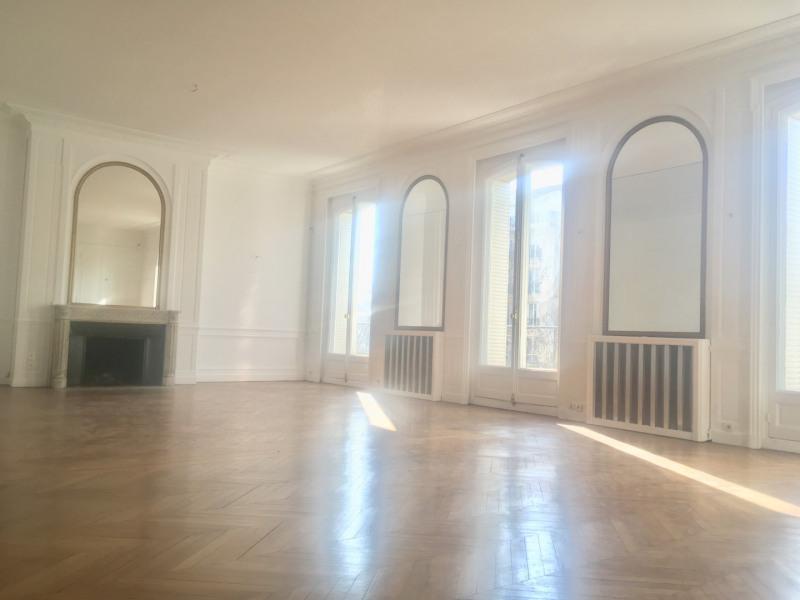 Rental apartment Paris 8ème 11000€ CC - Picture 2
