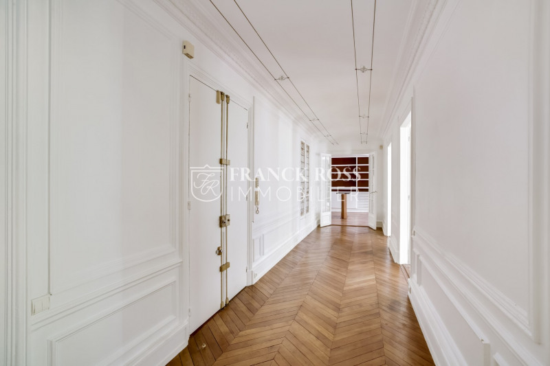 Location appartement Paris 16ème 6 250€ CC - Photo 15