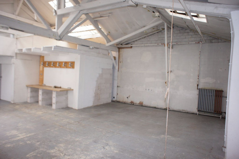 Location local commercial Clamart 1248€ HC - Photo 9