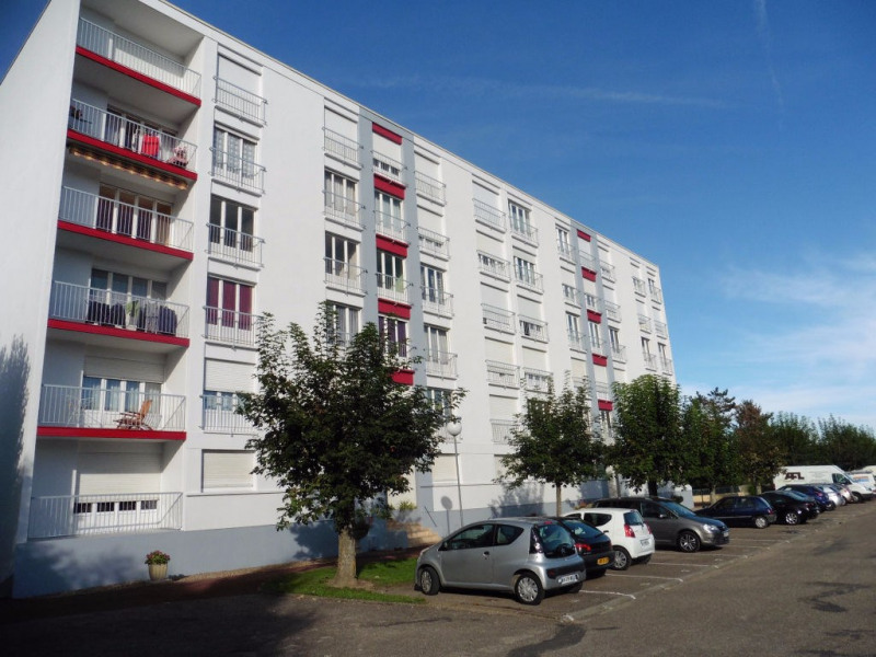 Sale apartment Montargis 105 000€ - Picture 1