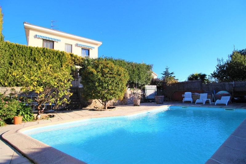 Deluxe sale house / villa Antibes 819 000€ - Picture 1