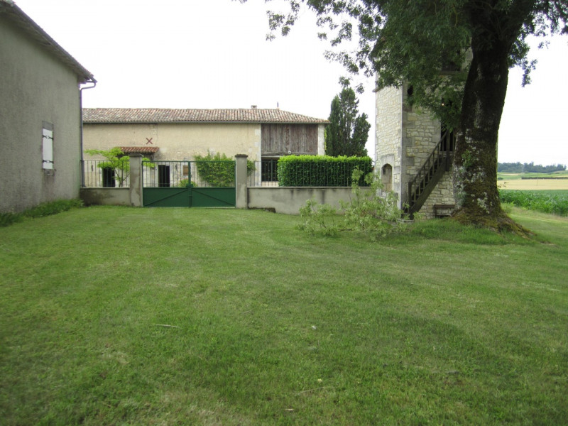 Sale house / villa Barbezieux saint-hilaire 260 000€ - Picture 1