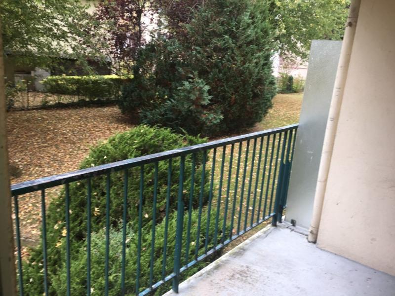 Rental apartment Montfort-l'amaury 940€ CC - Picture 2