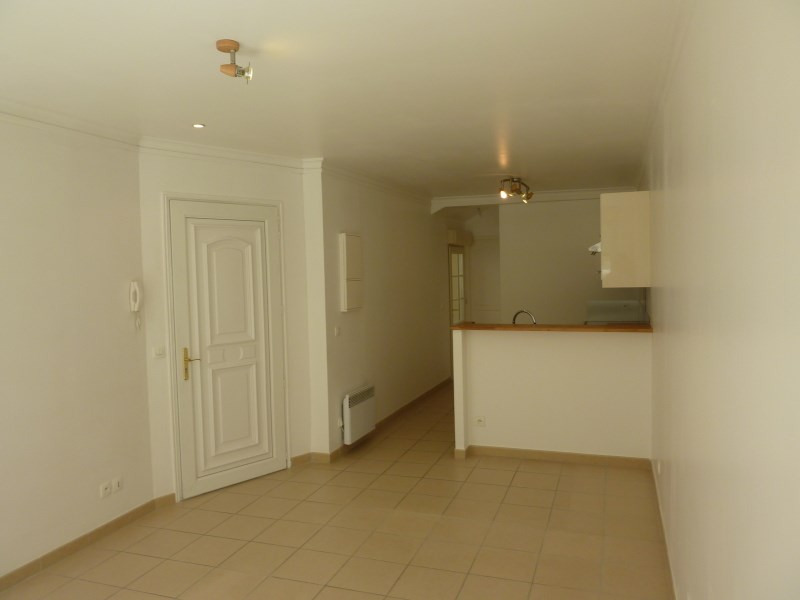 Rental apartment Arpajon 660€ CC - Picture 2