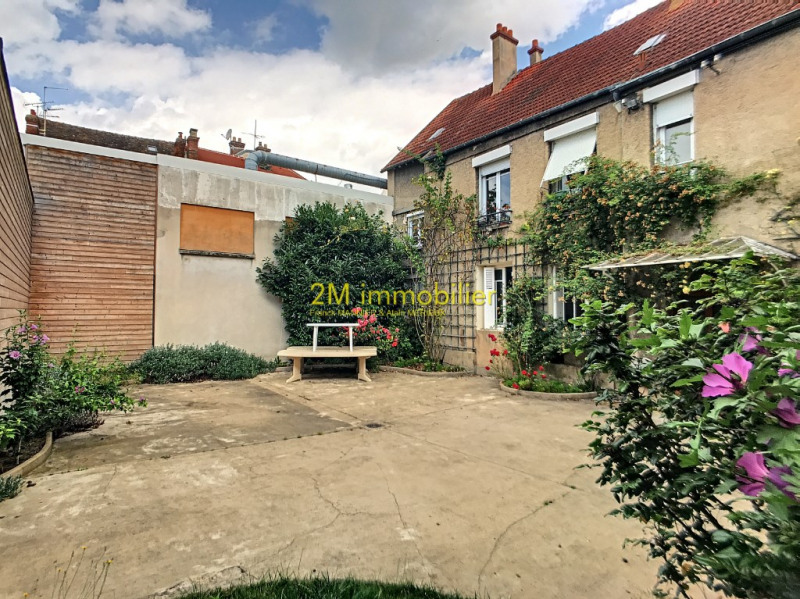 Sale building Melun 450 000€ - Picture 1