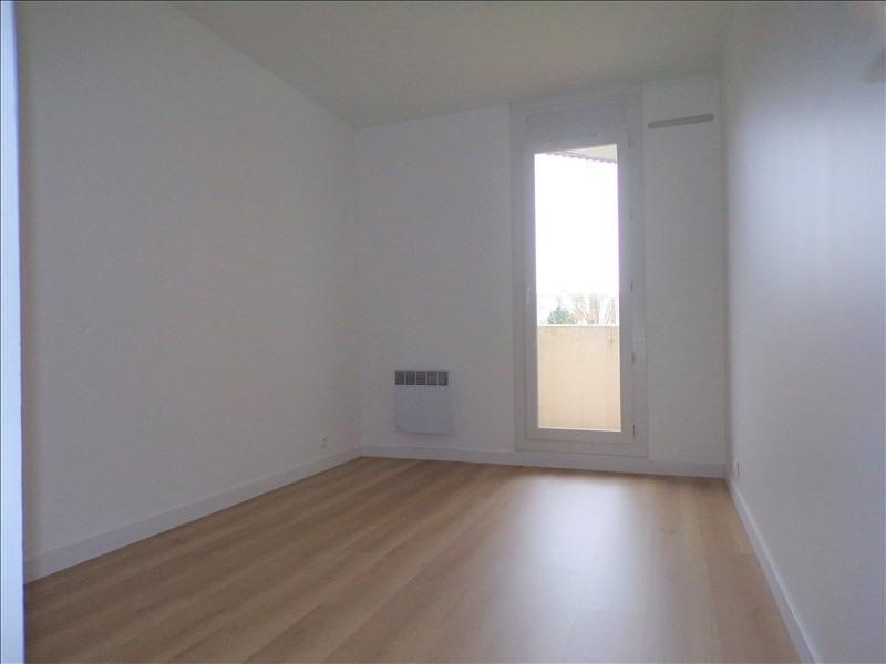 Location appartement Montigny le bretonneux 990€ CC - Photo 9
