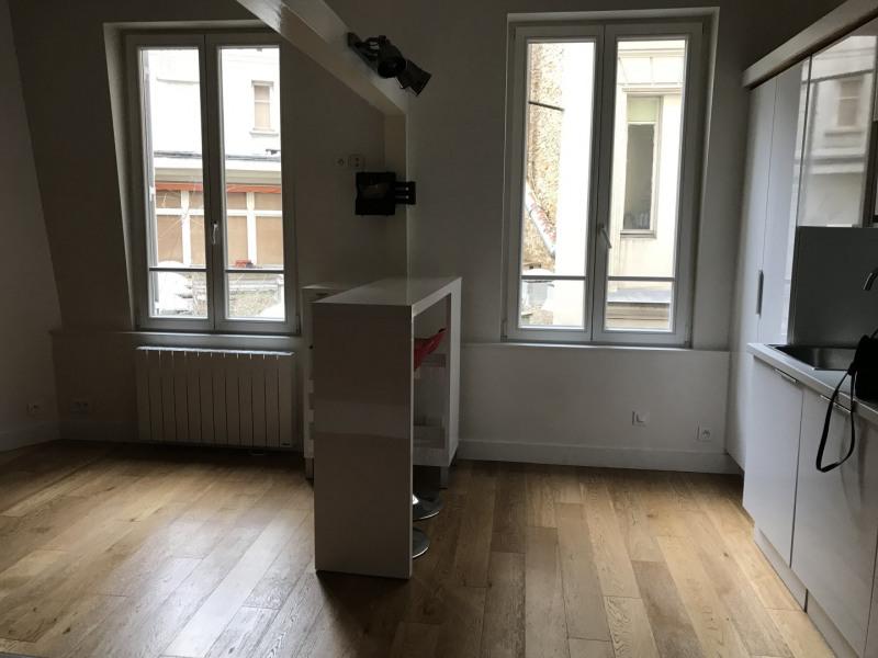 Location appartement Paris 17ème 1370€ CC - Photo 3