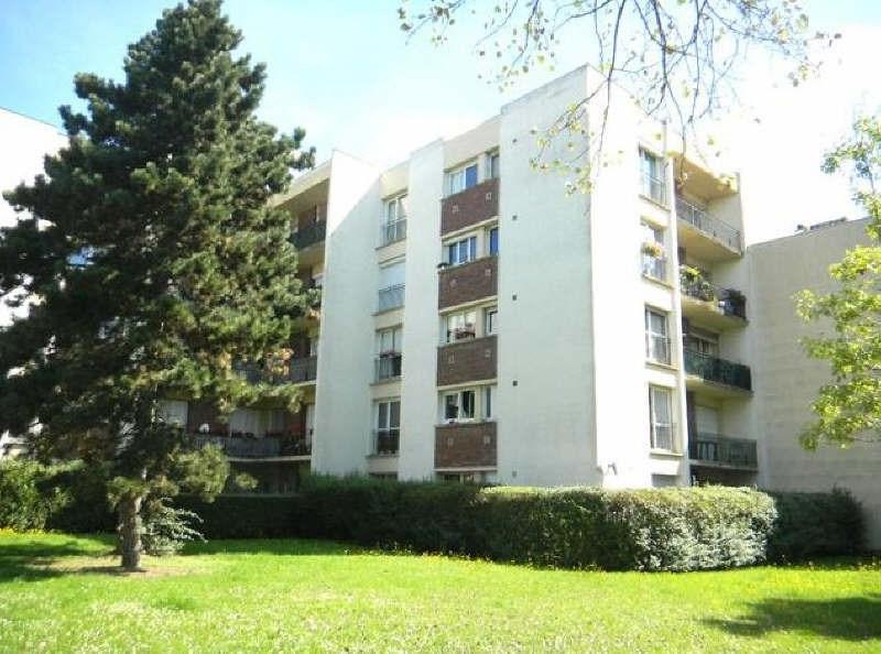 Rental apartment Maurepas 780€ CC - Picture 1