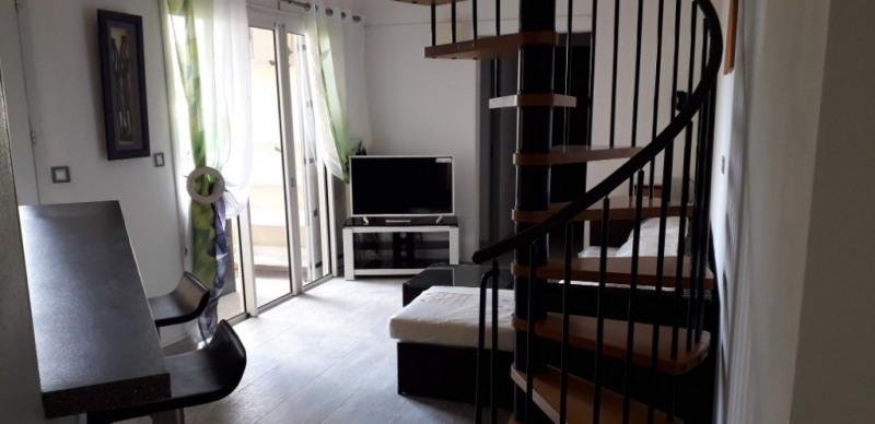 Alquiler  apartamento Saint gilles les bains 1300€ CC - Fotografía 2
