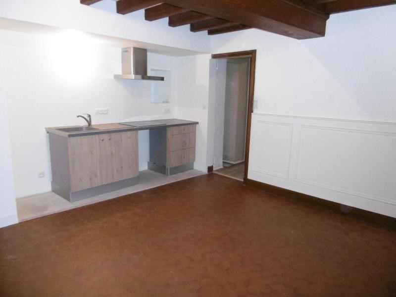 Location maison / villa Bully 850€ CC - Photo 2