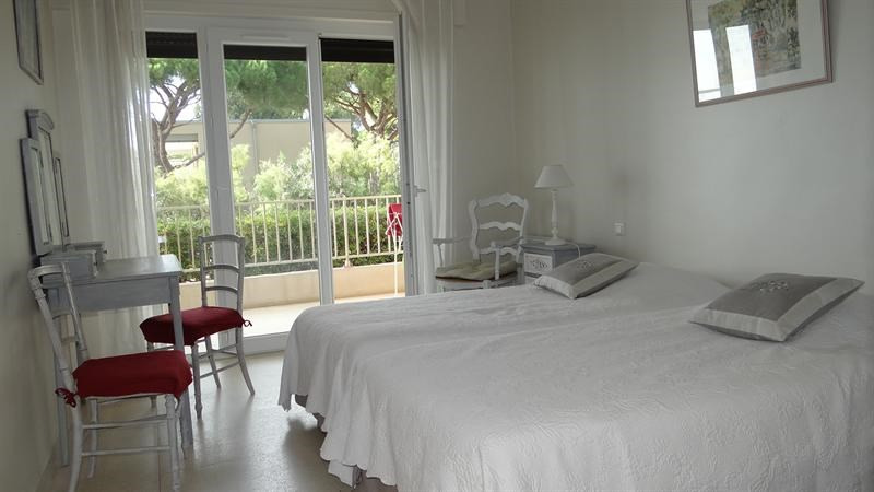 Location vacances appartement Cavalaire sur mer 700€ - Photo 14
