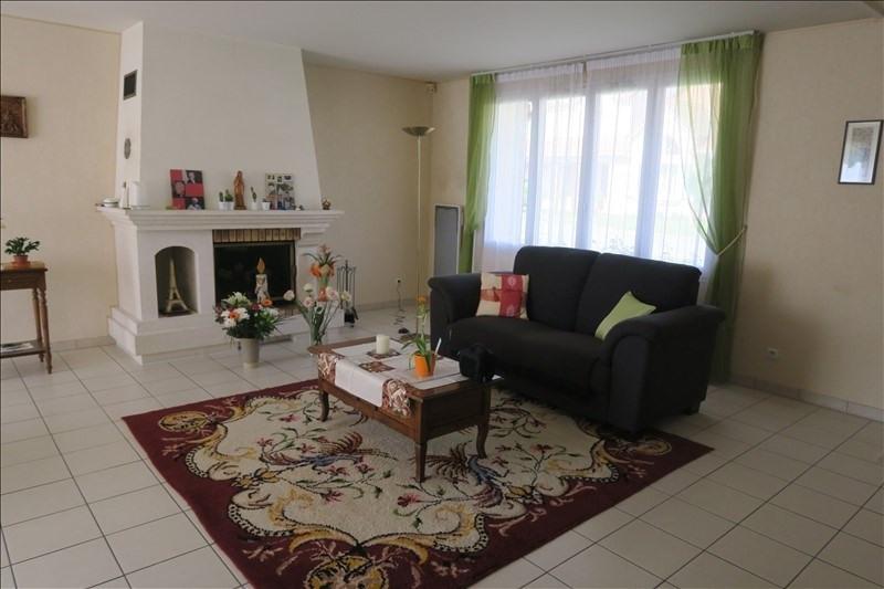 Sale house / villa Voisins le bretonneux 722800€ - Picture 1