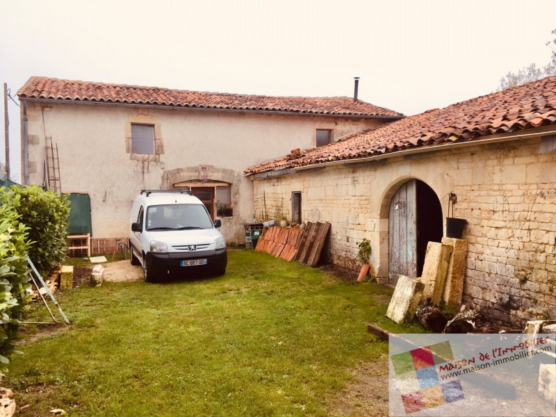 Sale house / villa Burie 59675€ - Picture 1