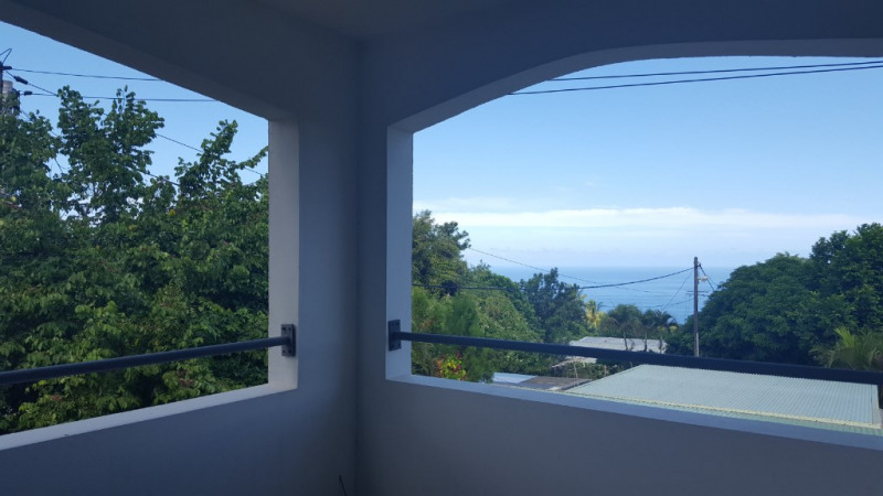 Sale apartment Le piton saint leu 183 600€ - Picture 1