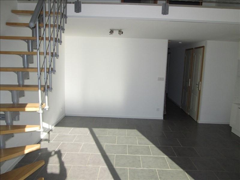 Rental apartment Balaruc les bains 840€ CC - Picture 2