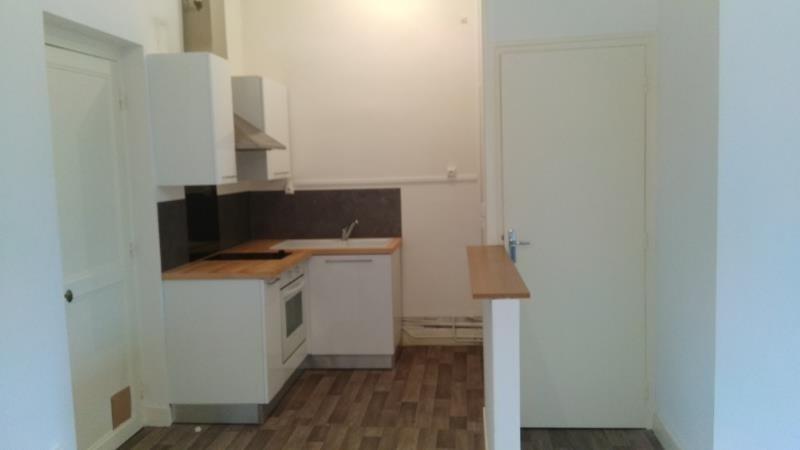 Location appartement Vendome 355€ CC - Photo 2