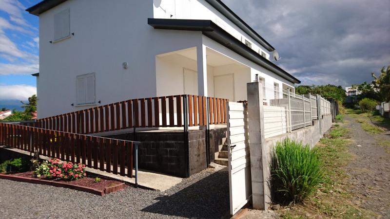 Location maison / villa Saint-andré 865€ CC - Photo 4