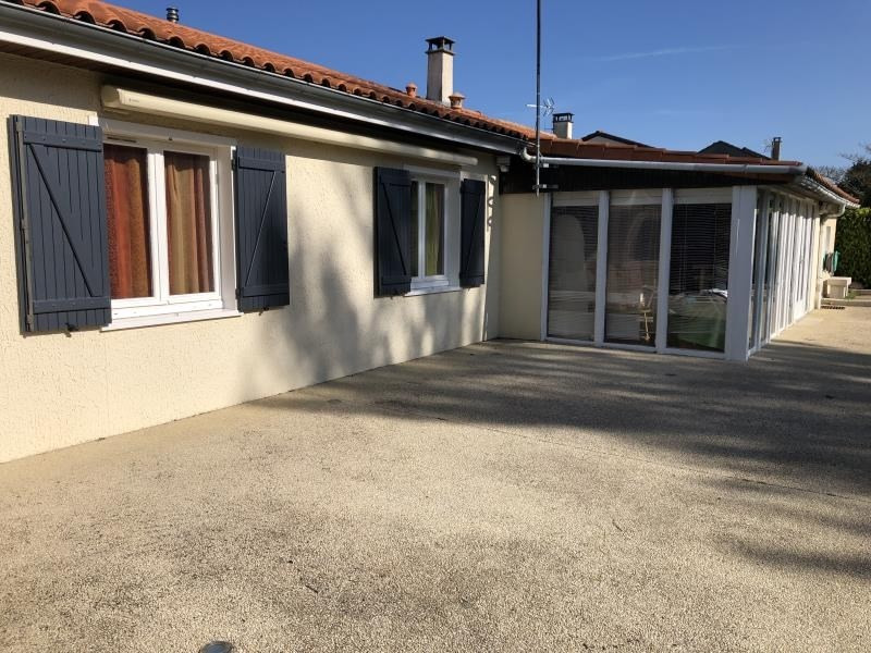 Sale house / villa Iteuil 198 000€ - Picture 3