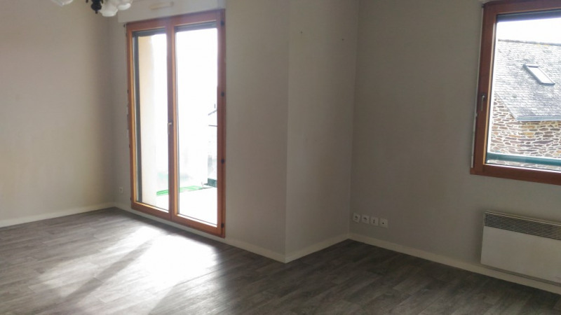 Location appartement Retiers 360€ CC - Photo 1
