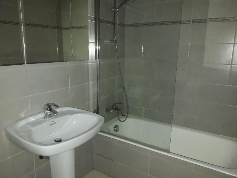 Location appartement Sallanches 800€ CC - Photo 4