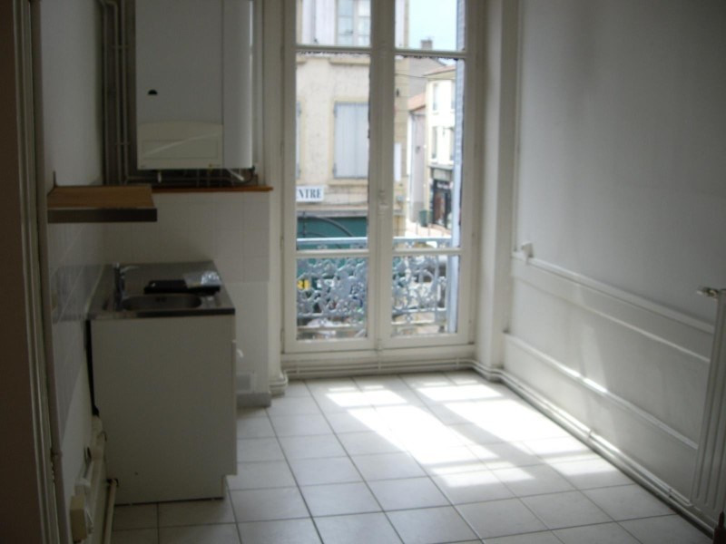 Rental apartment Le coteau 450€ CC - Picture 2