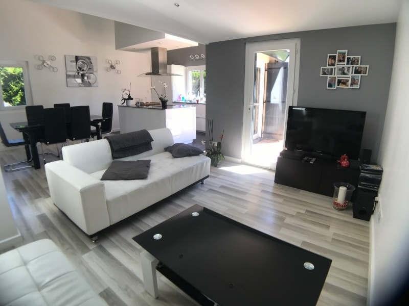 Sale house / villa Lesigny 410000€ - Picture 2