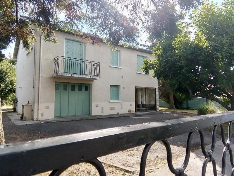 Rental house / villa Vendat 750€ CC - Picture 1