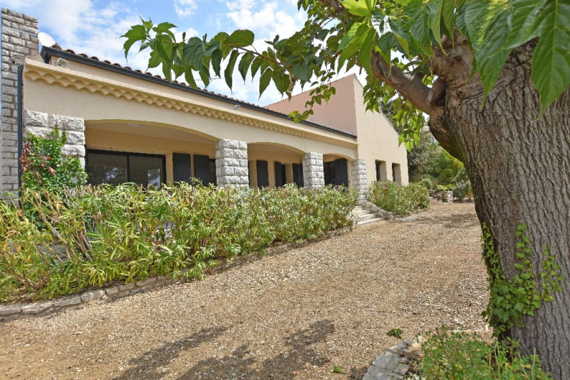 Sale house / villa Villeneuve les avignon 549000€ - Picture 3
