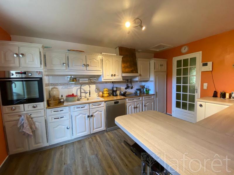 Sale house / villa L isle d'abeau 350000€ - Picture 3