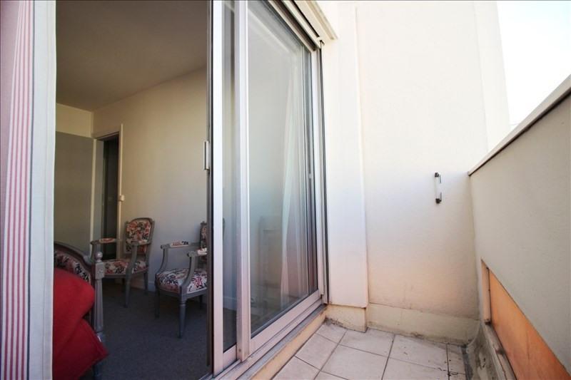 Sale apartment Paris 18ème 390000€ - Picture 2